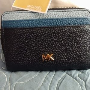 MICHAEL KORS CREDIT CARD & COIN CASE. LEATHER NWT!